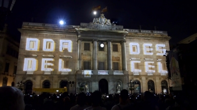 Slidemedia + Eyesberg Studio - La Merce 2018 Projection mapping ODA DES DEL CEL - 1