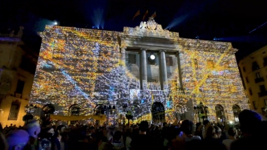 Slidemedia + Eyesberg Studio - La Merce 2018 Projection mapping ODA DES DEL CEL - 36