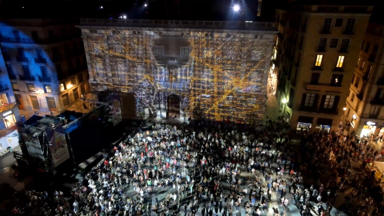 Slidemedia + Eyesberg Studio - La Merce 2018 Projection mapping ODA DES DEL CEL - 37