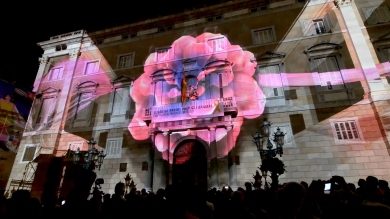 Slidemedia + Eyesberg Studio - La Merce 2018 Projection mapping ODA DES DEL CEL - 5
